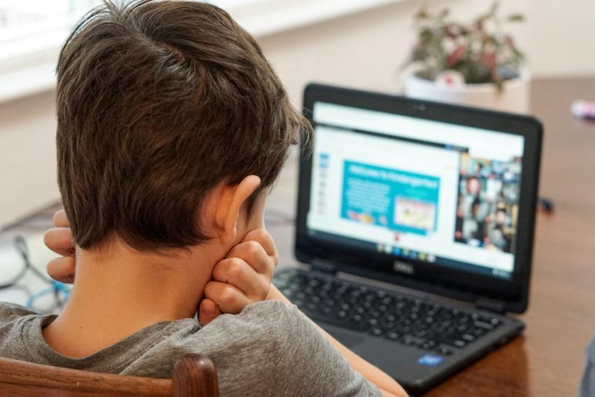 Voucher 200 ευρώ για laptop, tablet: Με κωδικό στο Taxisnet, χωρίς αίτηση οι δικαιούχοι