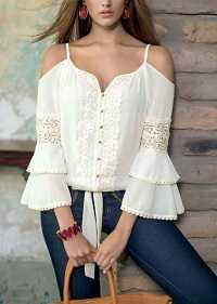 27dd6971a4a9 7 ανοιξιάτικες μπλούζες που θα αλλάξουν όλο σου το outfit ...