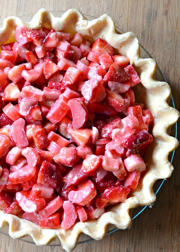 Strawberry Rhubarb Pie Filling Recipe in cooked pie crust.