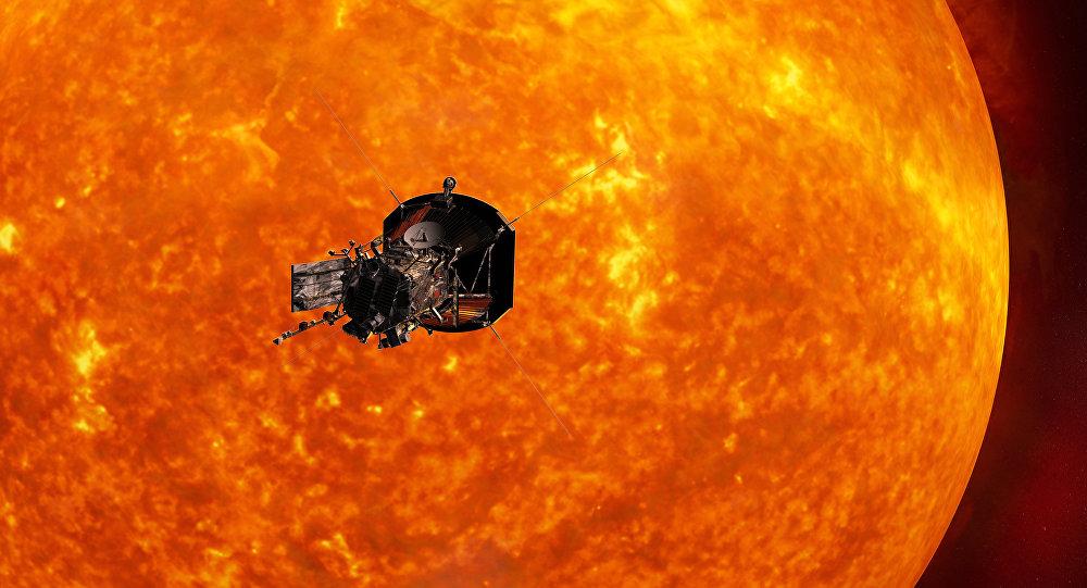 Montagem ilustrando a sonda orbitando o sol