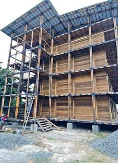 Bangunan empat lantai Bambulogy Mansion