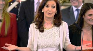 Cristina Kirchner habló ayer por primera vez después de que la Justicia la imputó en la causa que investiga a Los Sauces SA, la sociedad anónima que le reportó dividendos millonarios a la ex familia presidencial gracias al alquiler de ocho inmuebles a firmas de los empresarios Lázaro Báez y Cristóbal López.