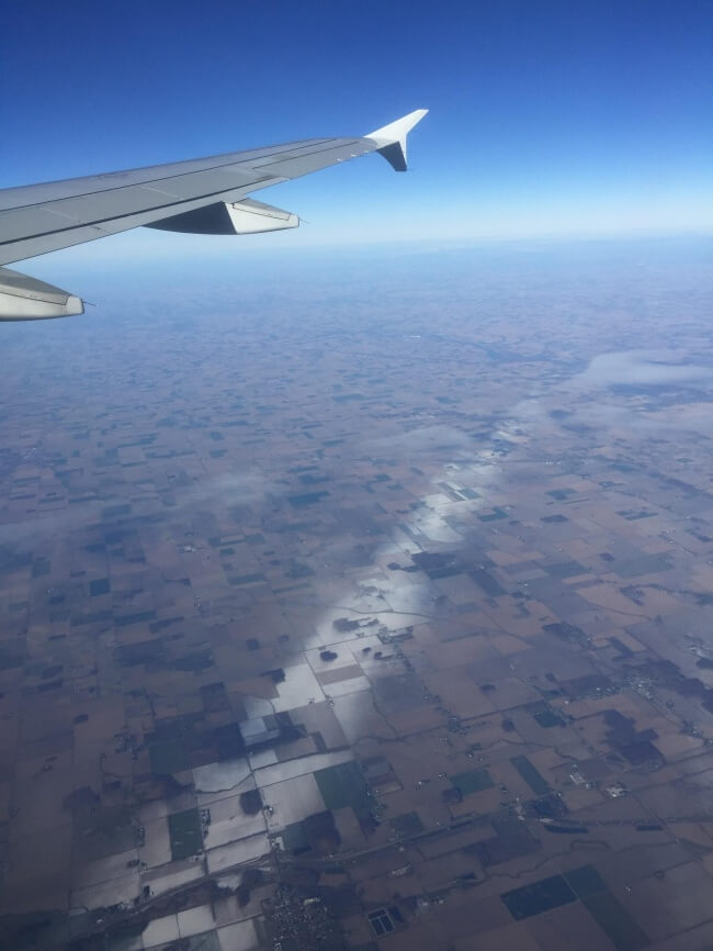 18 Pictures That Show How Nature Secretly Laughs At Us - The snow fell in a really thin line in Ohio.