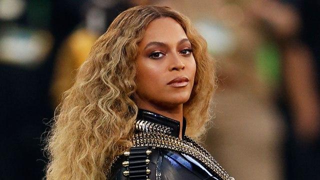 Beyoncé deu à luz a gêmeos, segundo informou o canal de TV americano CNN