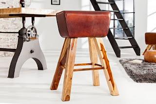 Designova barová židle Reaction.