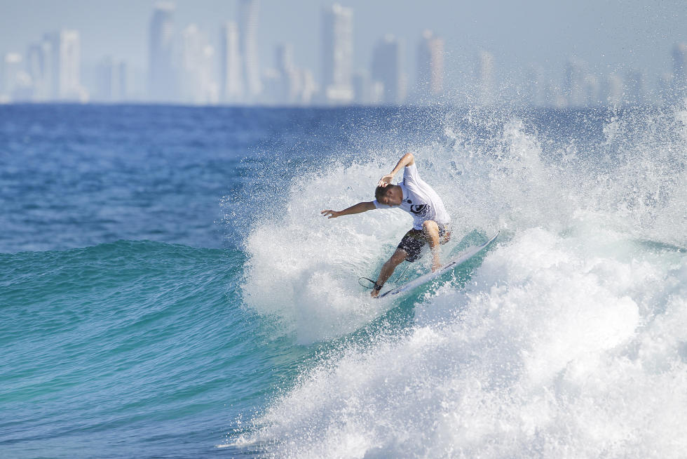 15 Stu Kennedy 2016 Quiksilver Pro Gold Coast Fotos WSL Kelly Cestari