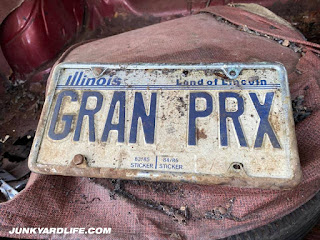 """GRAN PRX"" license plate from Illinois is proof this Grand Prix is not from Alabama."