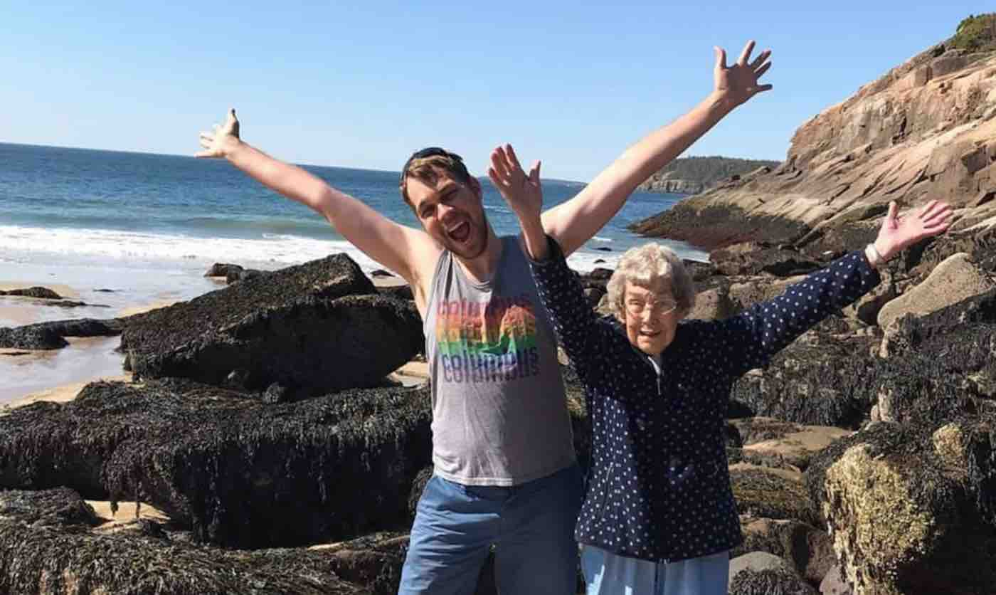 Grandma Confessed She's Never Seen The Ocean And Her Grandson Took Her On An Incredible Cross-Country Trip