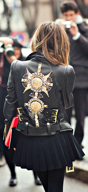 come abbinare il chiodo di pelle ricamato idee outfit chiodo ricamato tendenze chiodo ricamato primavera 2017 how to wear embroidered leather biker jacket