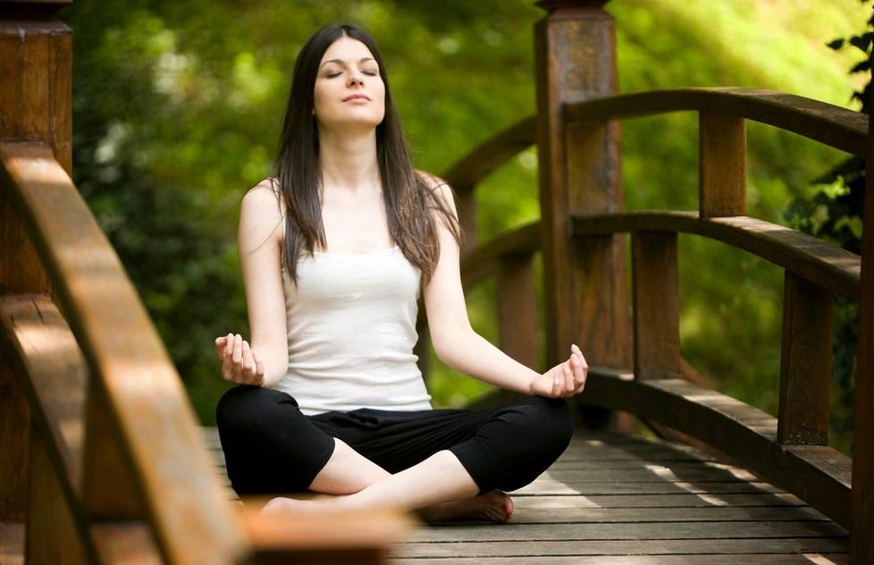 Yoga Manfaat Pose Yoga untuk Kesehatan Tubuh dan Tips memilih pakaian Yoga