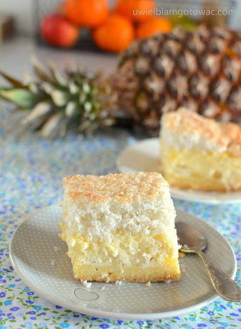 Sernik hawajski z ananasem i kokosem