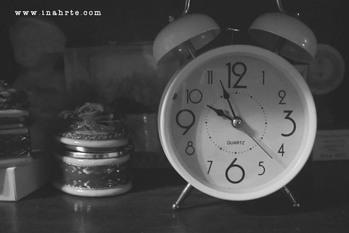 inahrte | kumusta | clock