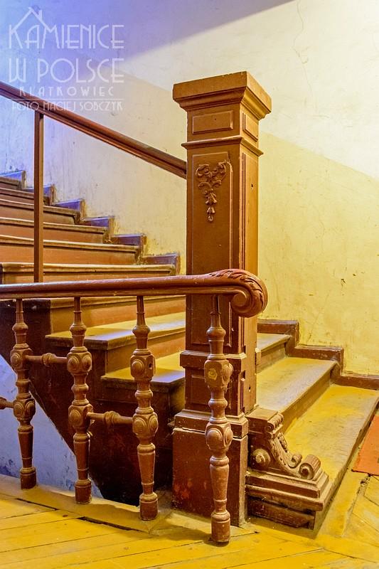 Ostróda. Kamienica. Wnętrze. Balustrada.
