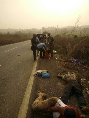 """""""So many people died but we came out by his grace""""- Lady and her mother survives, others killed in fatal accident along Benin-Agbor road (photos)"""