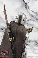 S.H. Figuarts The Mandalorian (Beskar Armor) 42