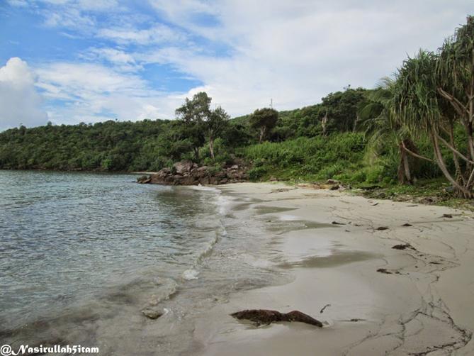 Pantai Legon Waru Karimunjawa