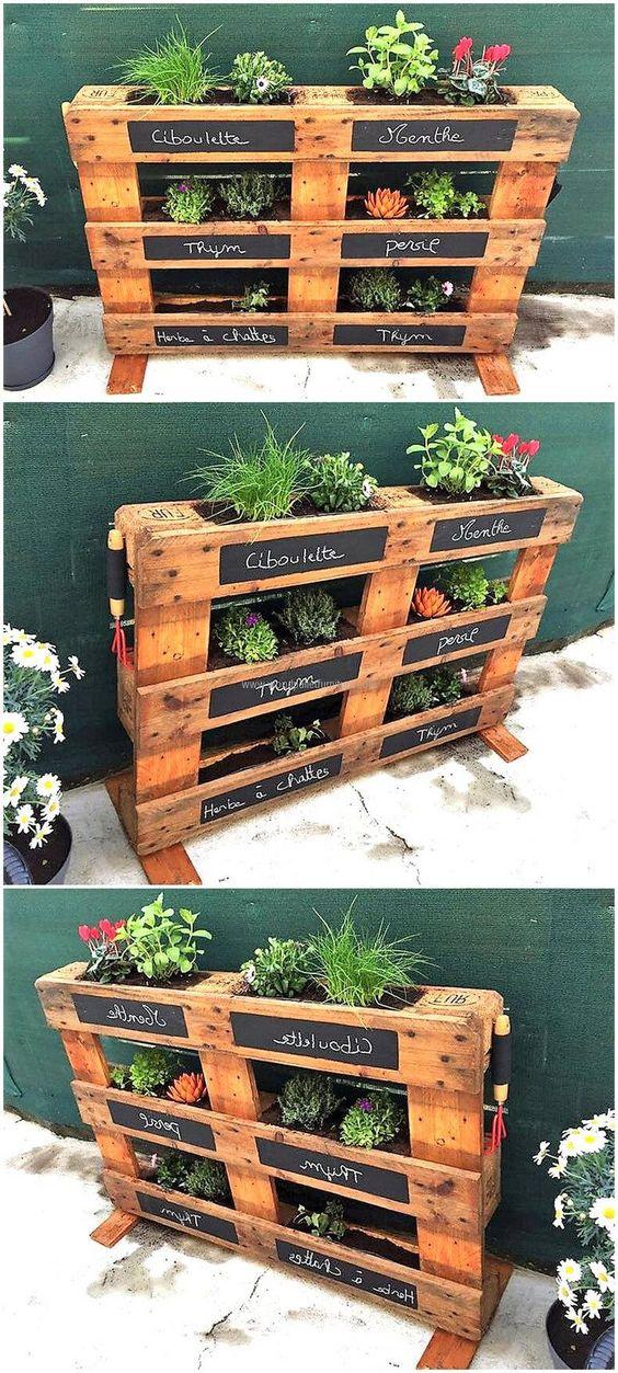 Reutilizar palets de madera en huerta casera for Jardines verticales construccion