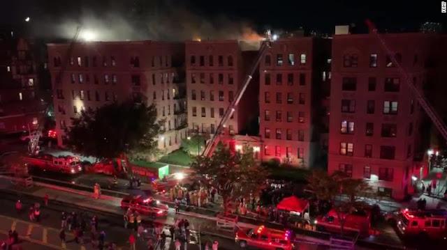 Video: Varios heridos después de que un incendio desgarre un edificio en Nueva York