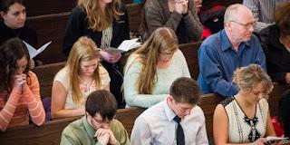 Coisas que você não deve fazer na Missa e talvez não saiba