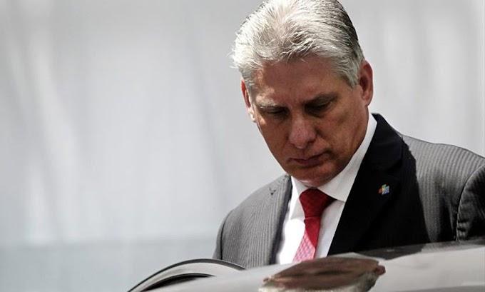 Miguel Díaz-Canel lleva dos días tratando de renunciar pero no ha podido por falta de papel y tinta