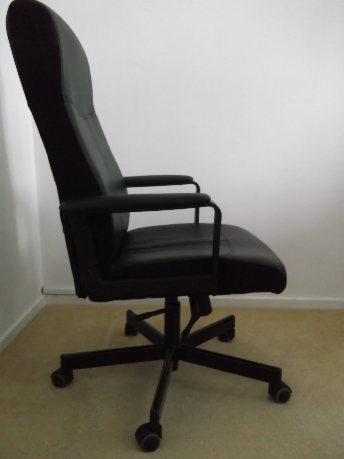 ikea swivel chair what is zero gravity consumer review office malkolm