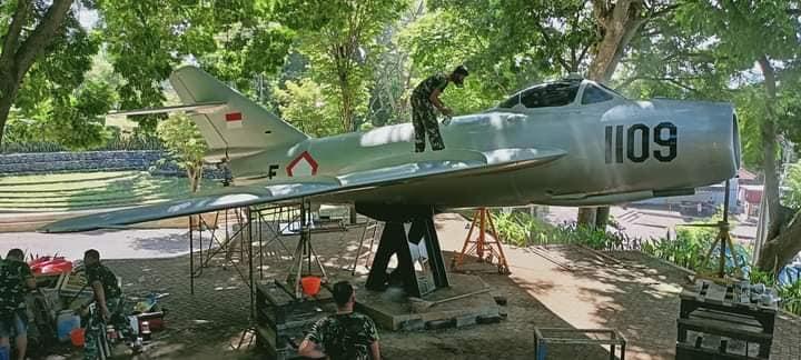 Pesawat di Selokambang Selesai Direstorasi