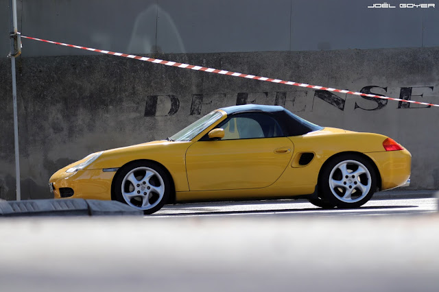 Yellow speed Porsche Boxster 986