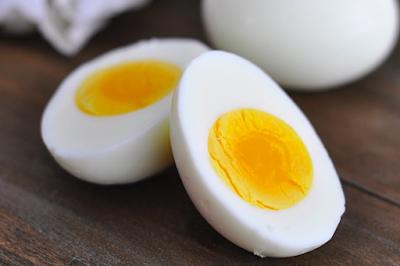 manfaat telur setengah matang untuk bayi, manfaat telur bebek untuk bayi, bahaya telur puyuh untuk bayi, kapan bayi boleh makan keju, bolehkah bayi makan telur asin, umur berapa bayi boleh makan telur puyuh?