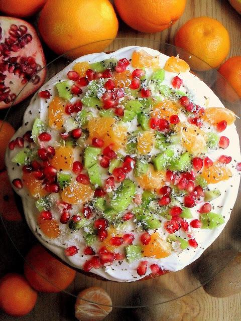 Świąteczne ciasto z kremem i owocami / Christmas Muffin Cake with Fruits and Frosting