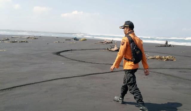 Upaya pencarian nelayan tenggelam