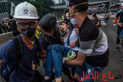 ماذا يحدث في هونج كونج : المتظاهرون في هونغ كونغ يواجهون الغاز المسيل للدموع والرصاص المطاطي تغطية كاملة