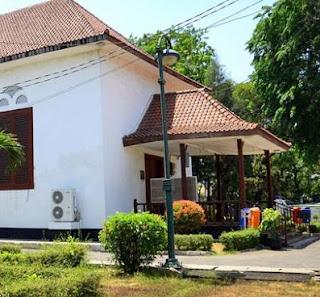 http://www.teluklove.com/2017/05/daya-tarik-objek-wisata-kampung-tugu-di.html