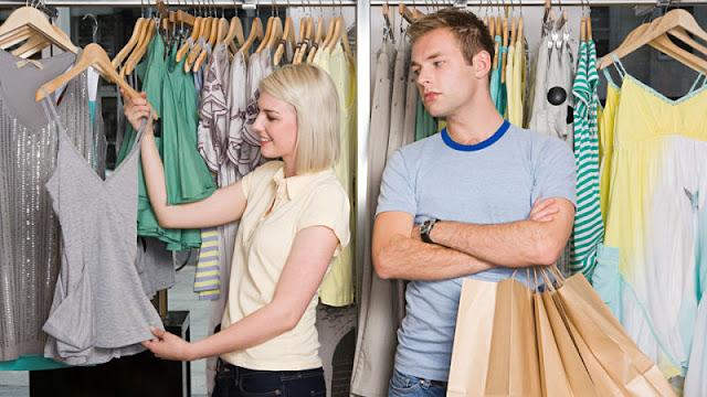 Zakupy z facetem - jak je przeżyć