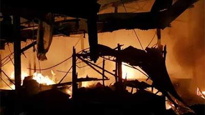 Duh! 300 Los Pasar Tradisional di Pasar Bawah Bukittinggi Terbakar, Kerugian Ditaksir Rp 2 Miliar