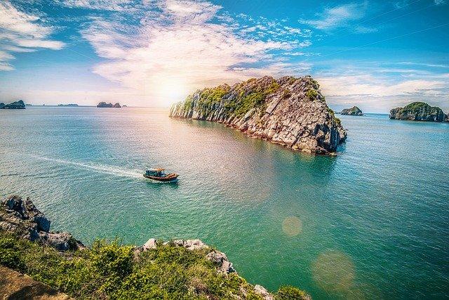 Visit Cat Ba Island, Cat Ba Island Halong Bay, Cat Ba Island,
