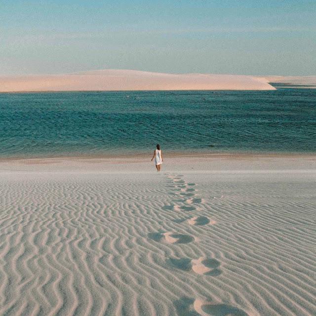 Khung cảnh ngoạn mục hiếm có tại Vườn quốc gia Lençóis Maranhenses chắc chắn sẽ quyến rũ trái tim của tất cả mọi người. Đến với nơi này, hòa mình vào không gian biển, cát bao la sẽ là khoảnh khắc lý tưởng trong kỳ nghỉ. Và đặc biệt, hãy ghi lại những bức ảnh ảo diệu tại tọa độ hot nhất trên bản đồ du lịch thế giới này nhé.