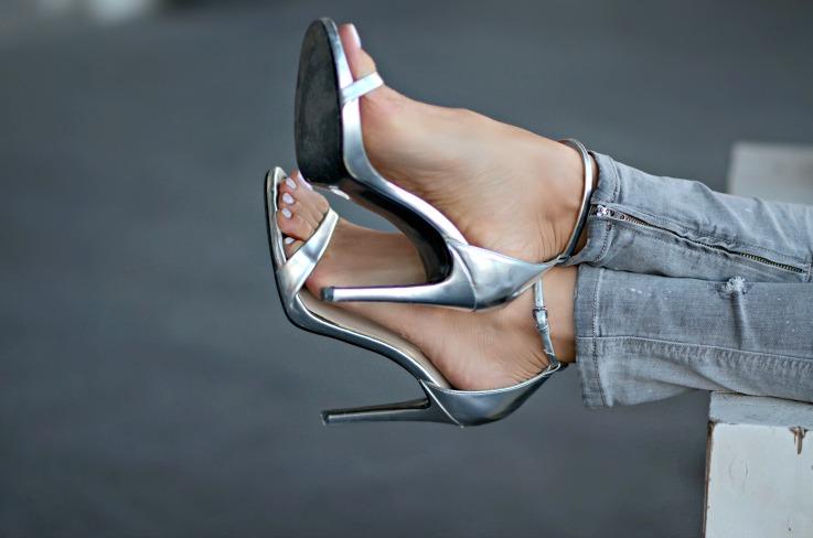 Silver metallic zara sandal heels, White nails