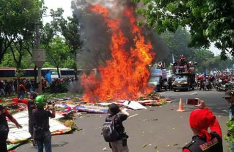 Buruh Pembakar Karangan Bunga Untuk Ahok-Djarot Mengaku Sudah Kontrak Politik Dengan Anies, Ini Kata Polisi