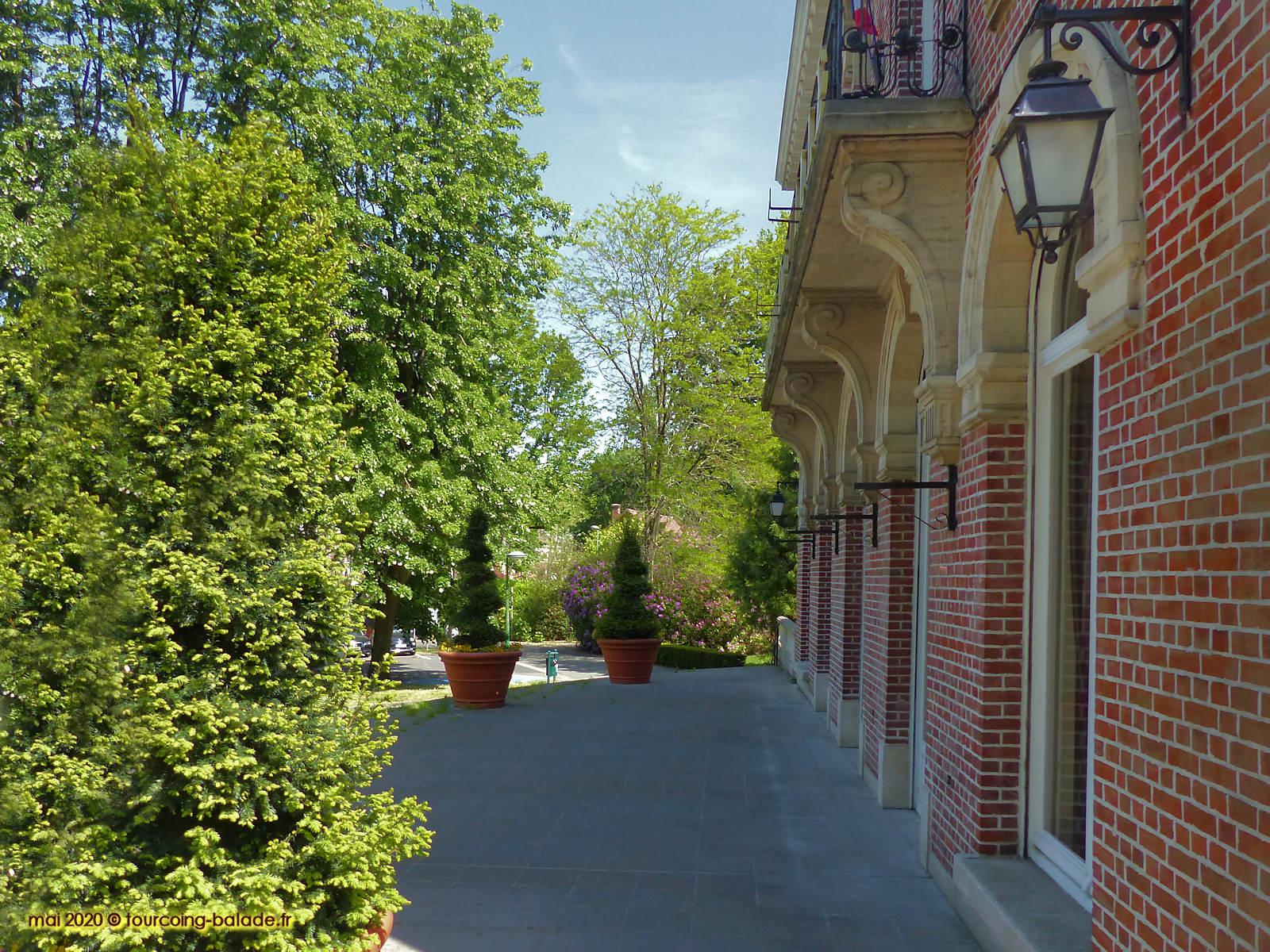 Perron de l'Hôtel de Ville de Mouvaux, 2020