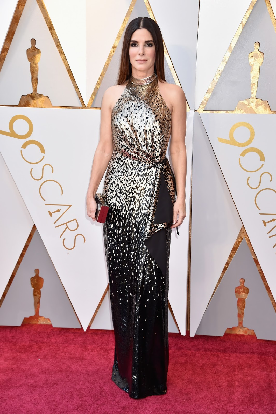Sandra Bullock is a metallic bombshell at the 2018 Oscars