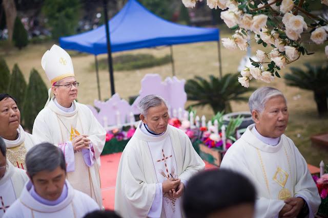 Lễ truyền chức Phó tế và Linh mục tại Giáo phận Lạng Sơn Cao Bằng 27.12.2017 - Ảnh minh hoạ 106
