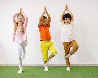 basic-yoga-poses-for-kids-Vriksasana