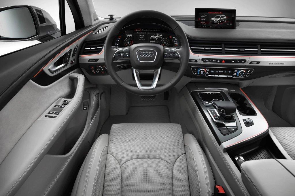 Интерьер Audi Q7 2018