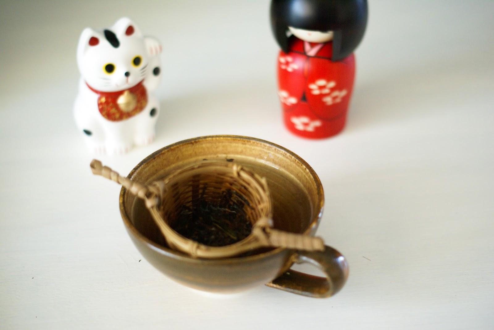hojicha maneki kokeshi