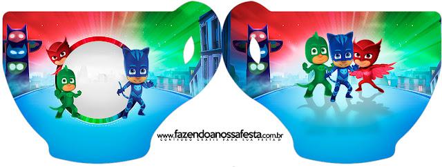 Tarjeta con forma de taza de Super Héroes en Pijamas.