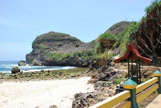 wisata pantai sembukan kabupaten wonogiri wisataarea.com