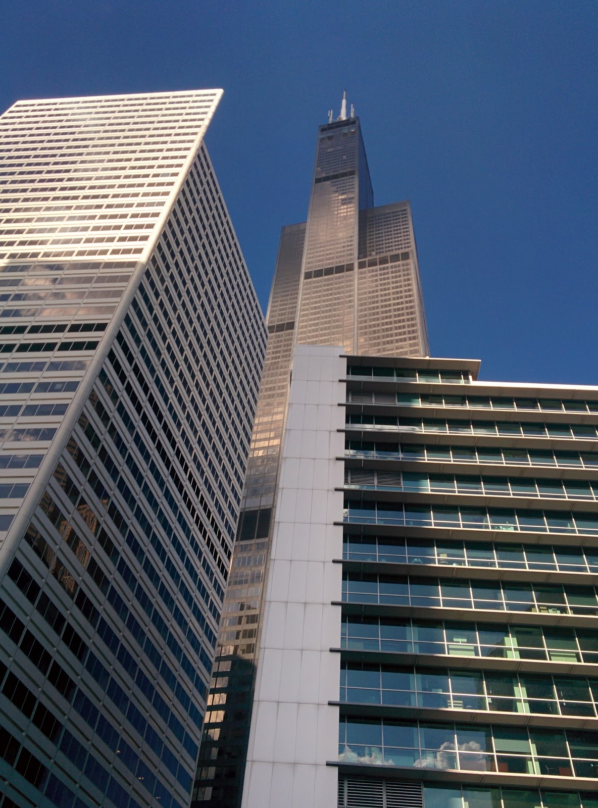 """You can just about see the """"Skydecks"""" poking out from the face of the very top of the Sears Tower (now Willis Tower, by SOM).  Something to do on my next visit.  Or the """"Tilt"""" attraction at the Hancock Tower, which is similar."""