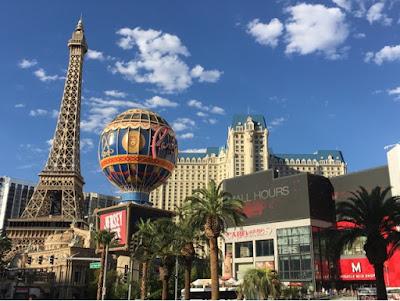 Roadtrip USA - on the road again - Las Vegas Paris tour eiffel jour