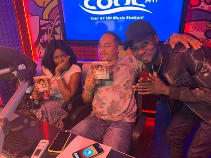 Photos From Superstar Elvis Adeniyi's Interview with Daddy Freeze On Cool FM
