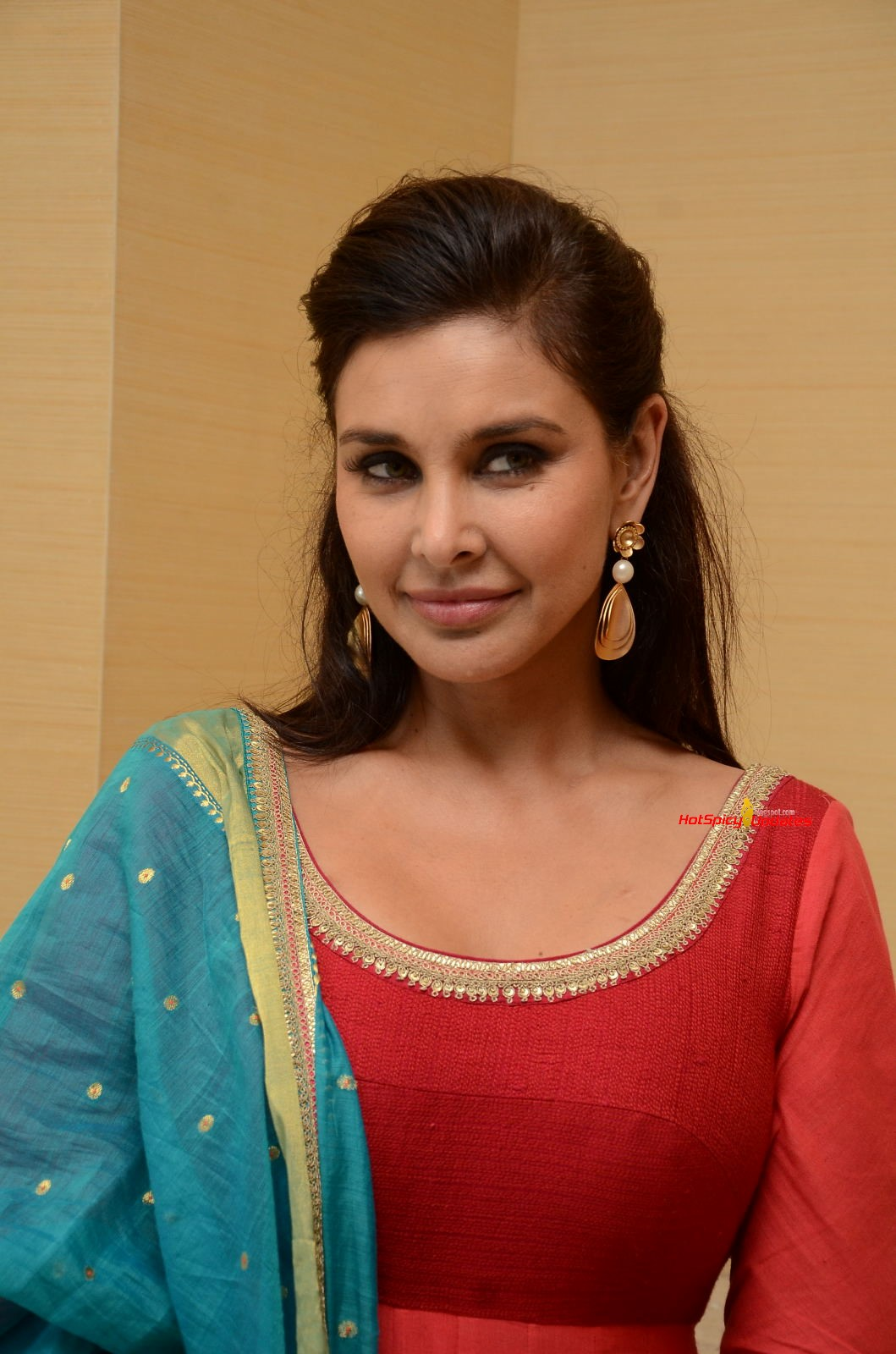 Lisa Ray Nude Photos